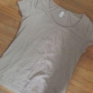 h&M basic tee top shirt oatmeal shirt sleeve scoop